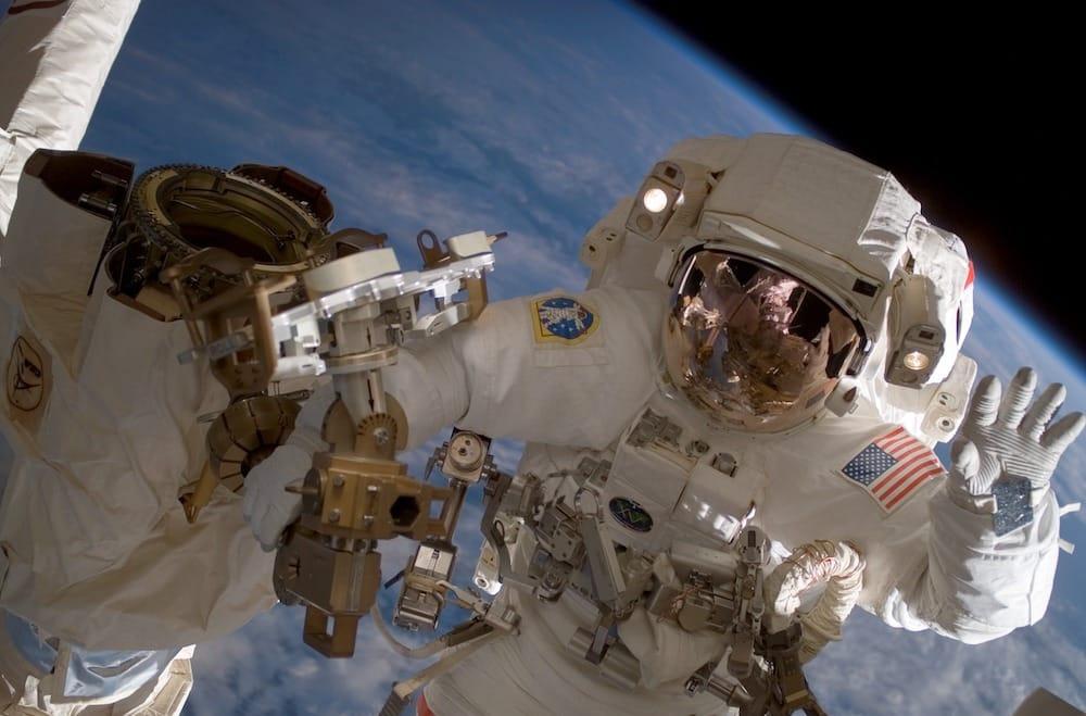 Astronauta da NASA no espaço