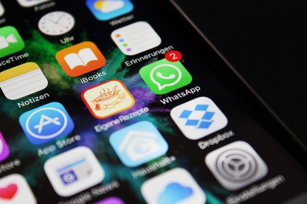 Aplicativos em tela de celular