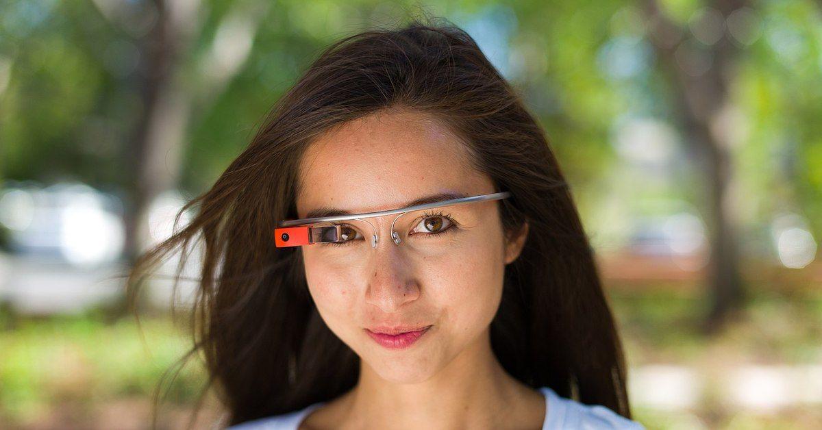 Pessoa usando Google Glass
